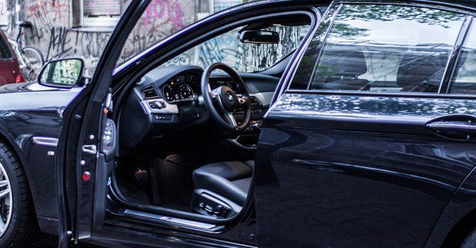 Einsteigen bitte - Wie Autohersteller langfristig zu Autovermietungen werden könnten